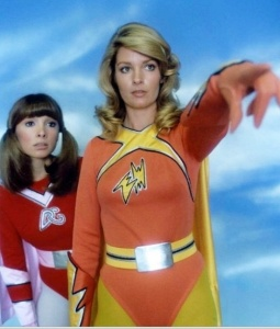electra-woman-and-dyna-girl-point