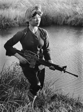Female_Viet_Cong_warrior_1972_1.jpg