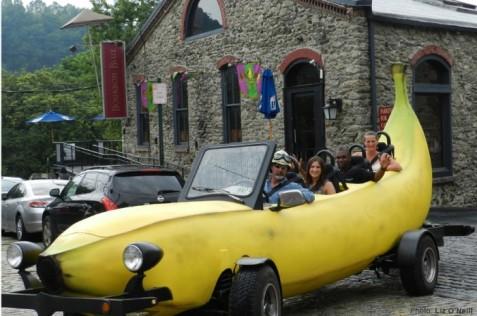 banana-car-700x465.jpg